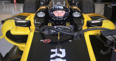 VIDEO: Can a regular person drive a real F1 car?