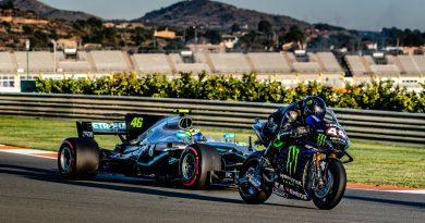 VIDEO: Lewis Hamilton and Valentino Rossi Swap Race