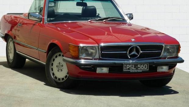 1986 Mercedes-Benz 560 SL Convertible
