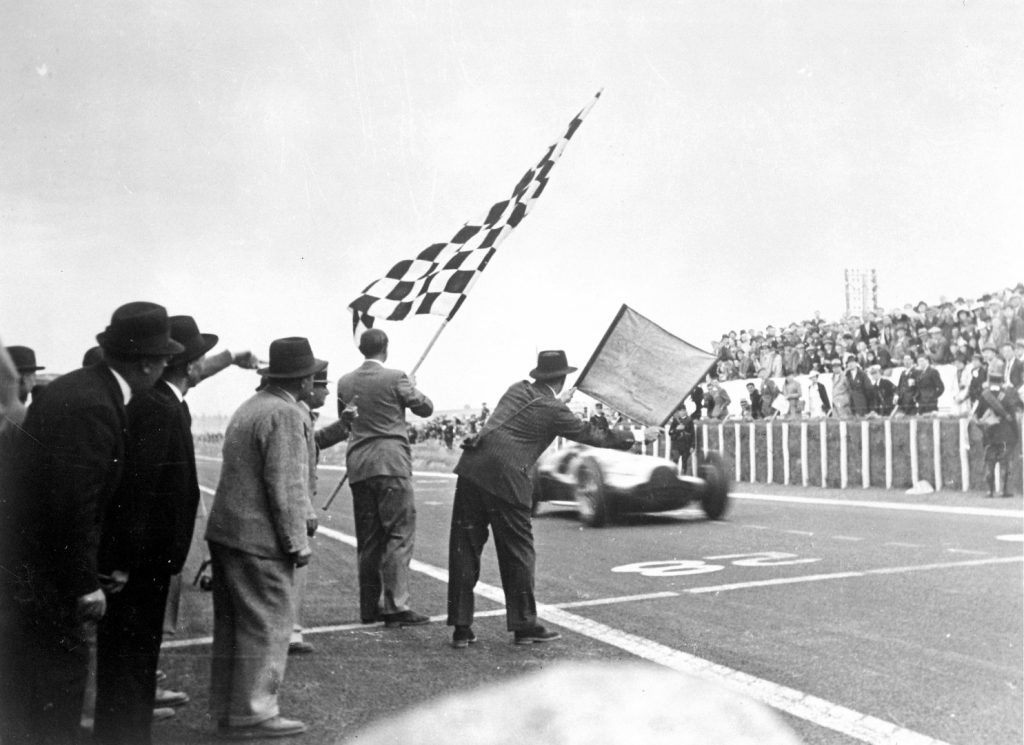 Rules of racing flag