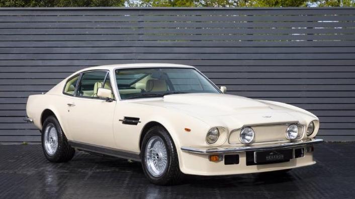 Aston Martin V8 Vantage (v580) Manual